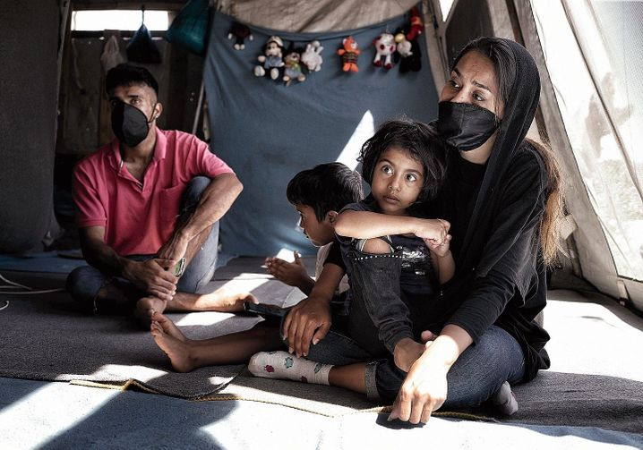 Rahela with her husband and children: Her brother Nasir has made it to Germany.