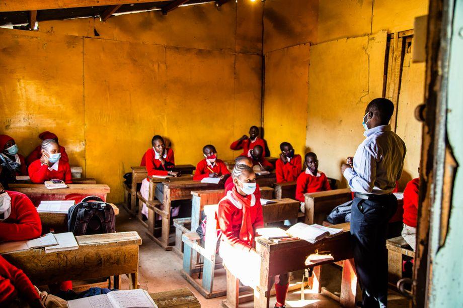 Erster Schultag in der Redrose School Nairobi, Kenia. Viele Familien aus dem angrenzenden Slum Kibera schicken ihre Kinder hierher, die Privatschule ist weitaus besser als die heillos überfüllten staatlichen Schulen