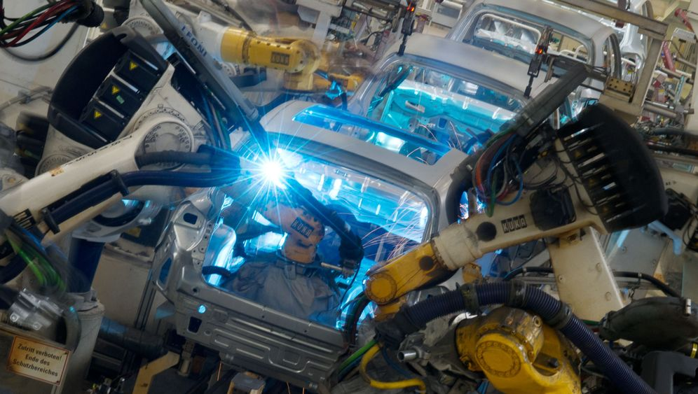 Photo Gallery: Automating Our Way Out of Jobs