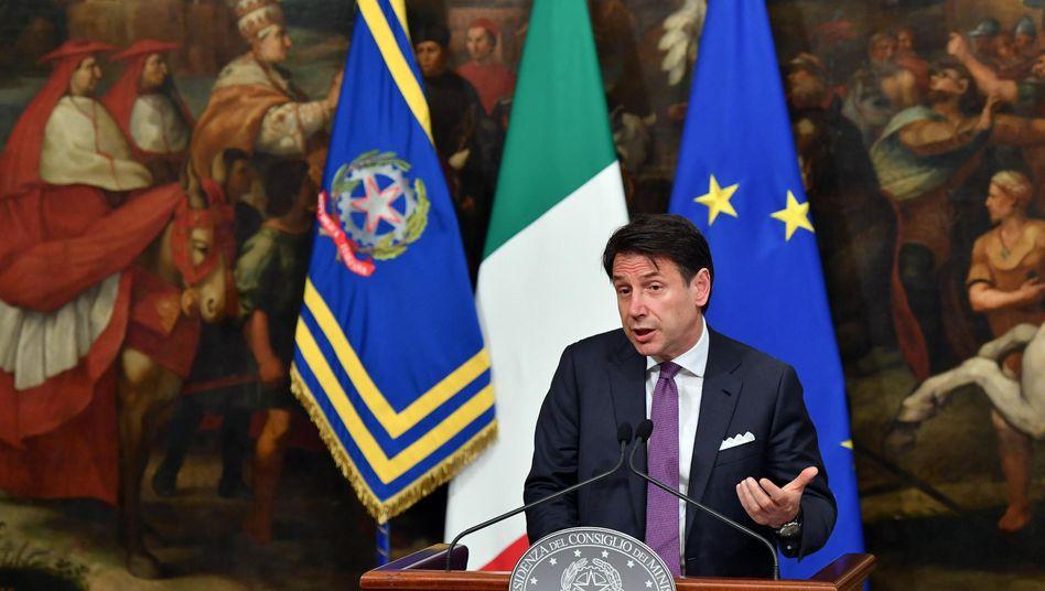 Giuseppe Conte will durch seine Drohung die Regierung animieren, ihre Streitigkeiten beizulegen.
