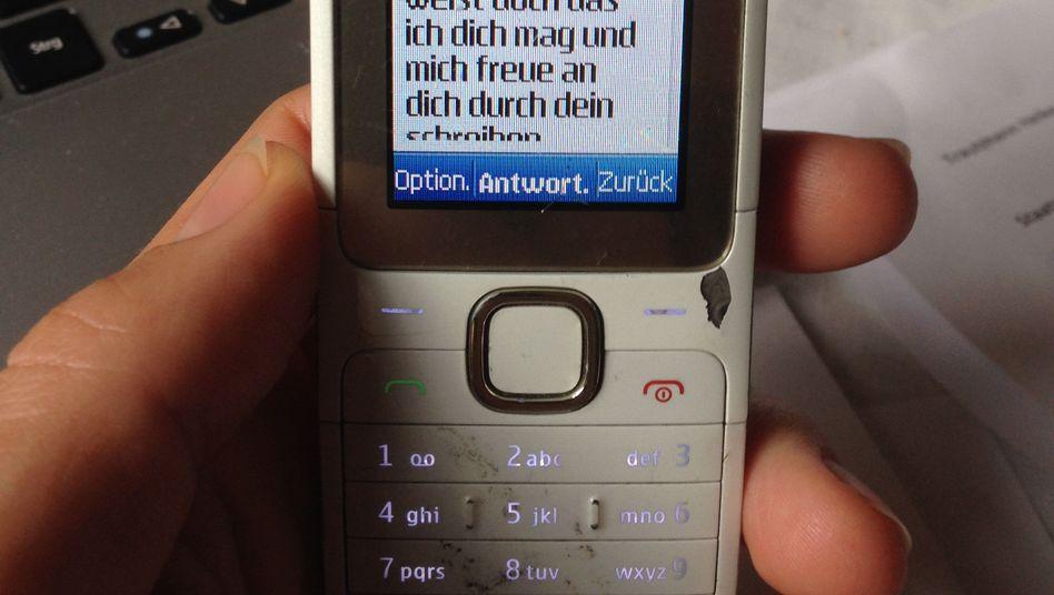 Knapp hundert SMS: Mariano* blockte irgendwann ab