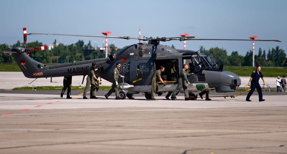 """Bundeswehrhubschrauber """"Sea Lynx"""" (Archivbild): Erste Schäden vor vier Jahren gesichtet"""