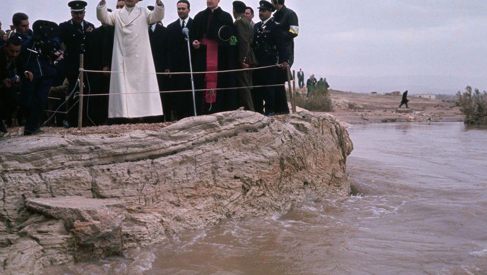 Papst in Israel: Kreuzflug nach Jerusalem