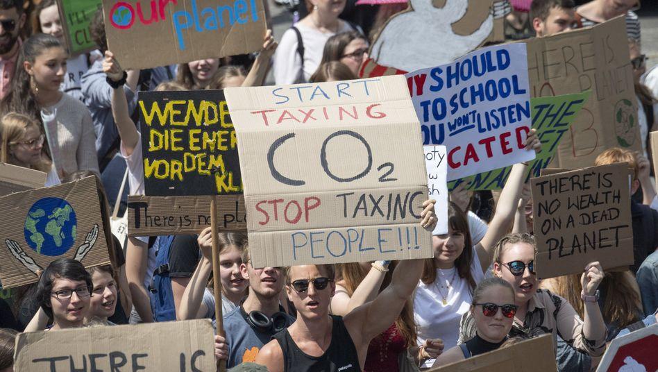 Demonstranten der Schülerbewegung Fridays for Future