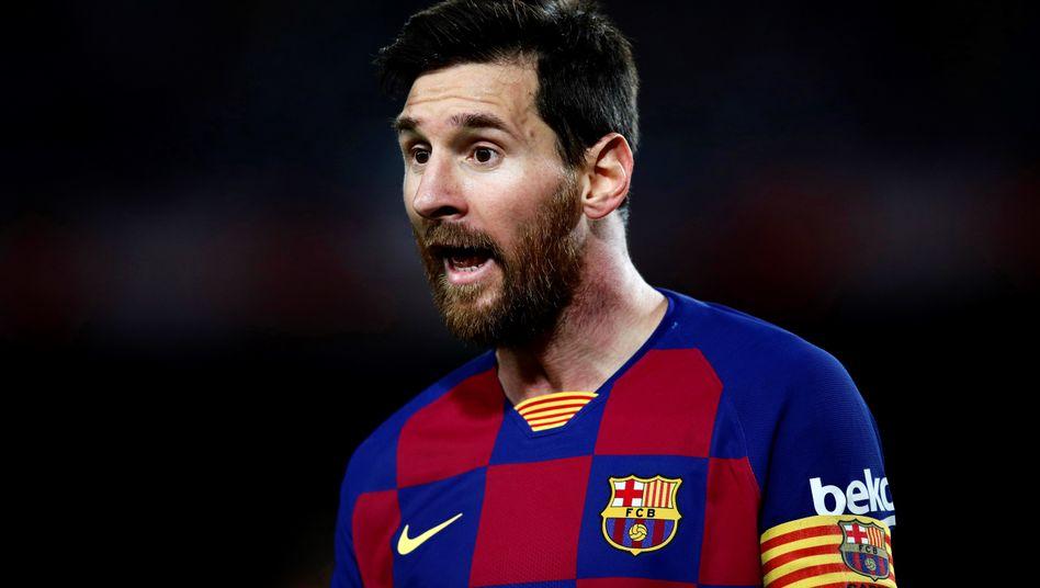 Ist nicht erfreut über die Kritik des Sportdirektors: Barcelonas Lionel Messi