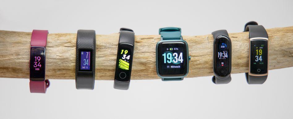 Sechs der sieben getesteten Produkte: Kleine Geräte, große Unterschiede
