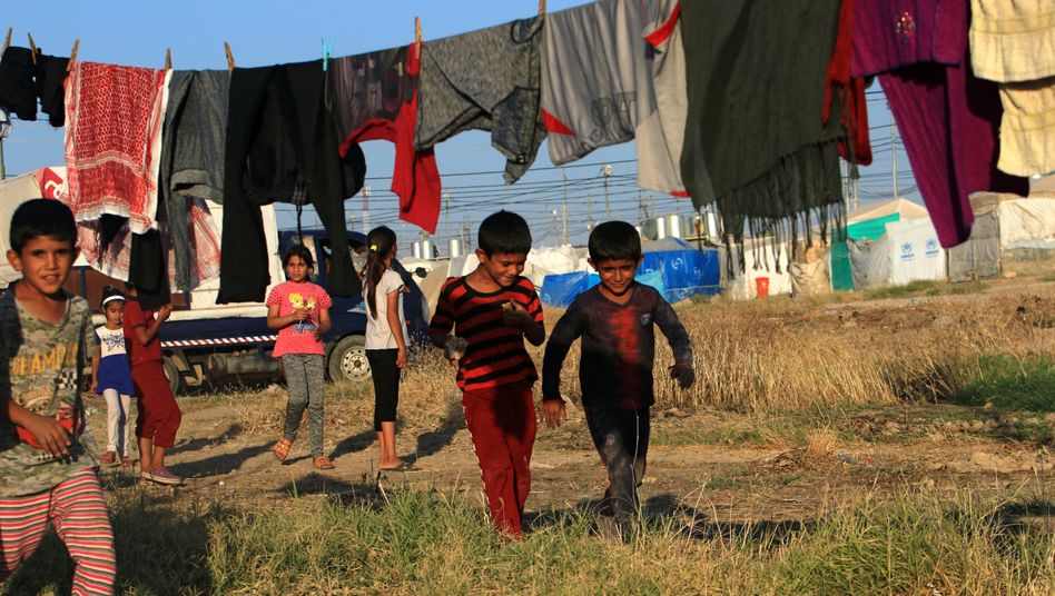 Jesidische Kinder in einem Camp im Nordirak: Wie lebt man weiter?