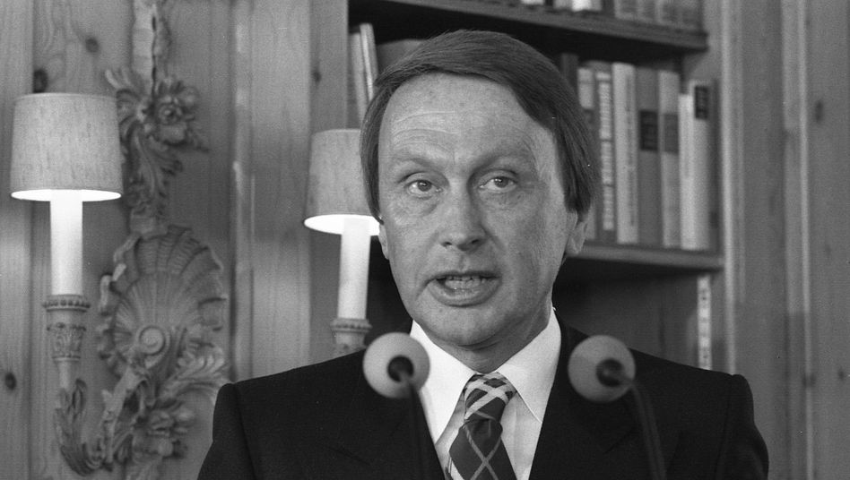 """Bis 1992 Chefredakteur der """"Hörzu"""": Peter Bachér"""