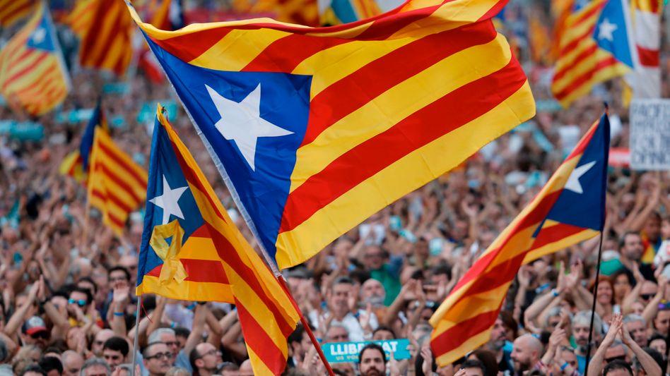 Katalanen protestieren in Barcelona