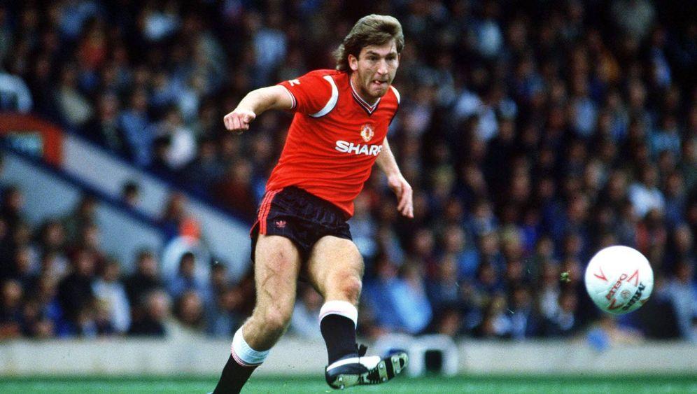 EM-Historie: Norman Whiteside, nordirischer Fußballheld