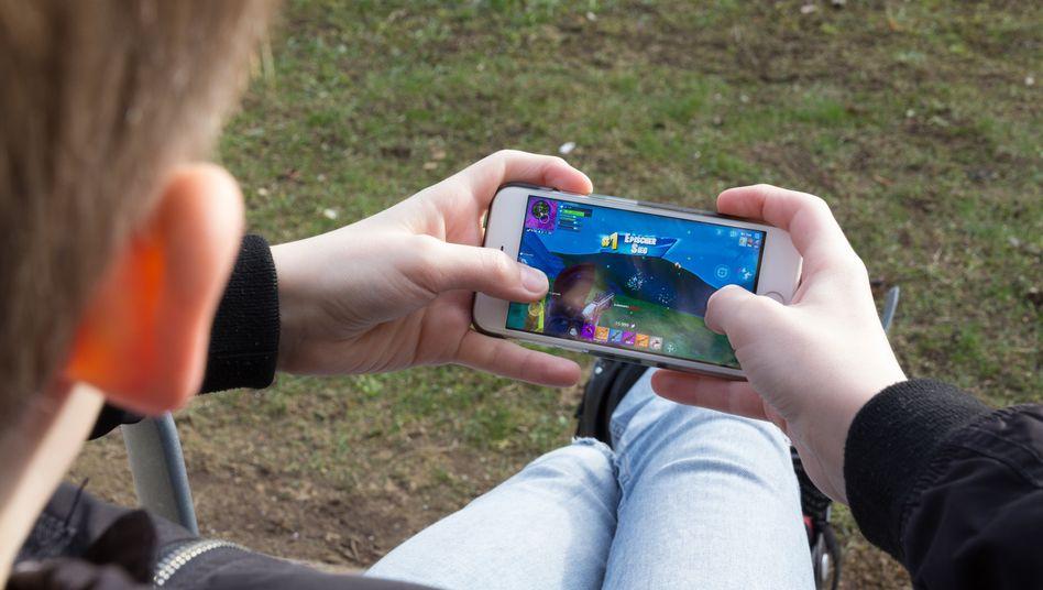 Wer die Internetnutzung per Smartphone für seine Kinder einschränken will, hat nur wenige gute Apps zur Wahl