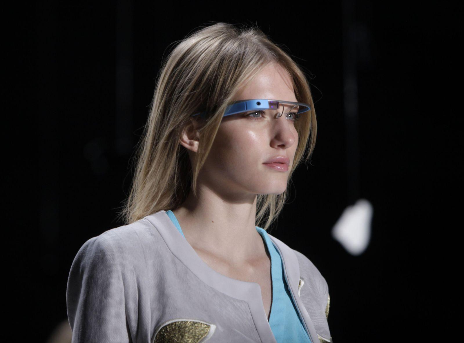 APTOPIX Fashion Diane Von Furstenberg Spring 2013