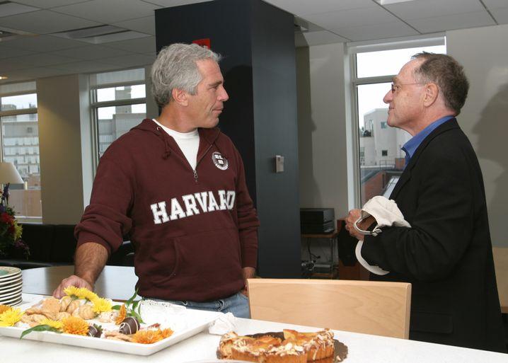 Vereint in Forschung und Schmeichelei: Uni-Mäzen Jeffrey Epstein (l.) und Harvard-Professor Alan Dershowitz