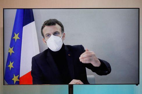 Emmanuel Macron in einer Videobotschaft