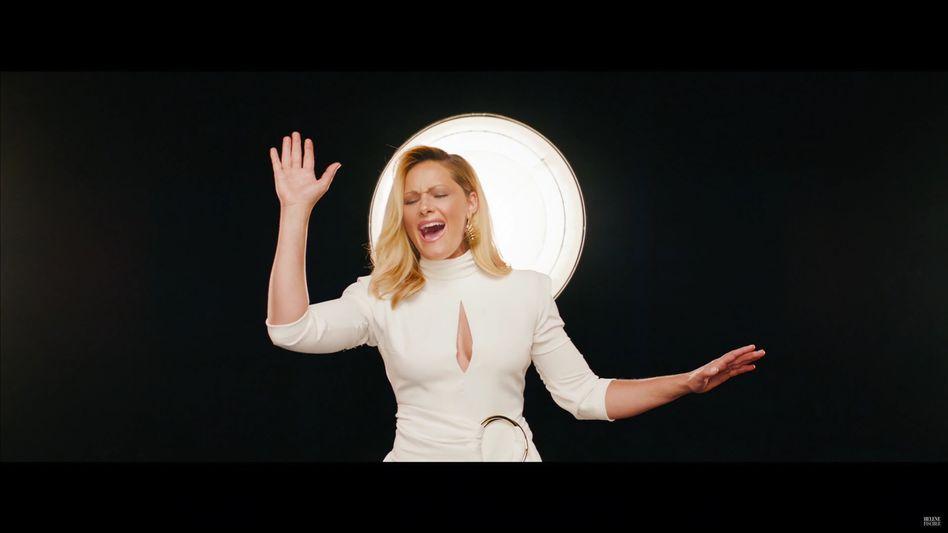 """Helene Fischer im Video-Trailer zu """"See You Again"""""""