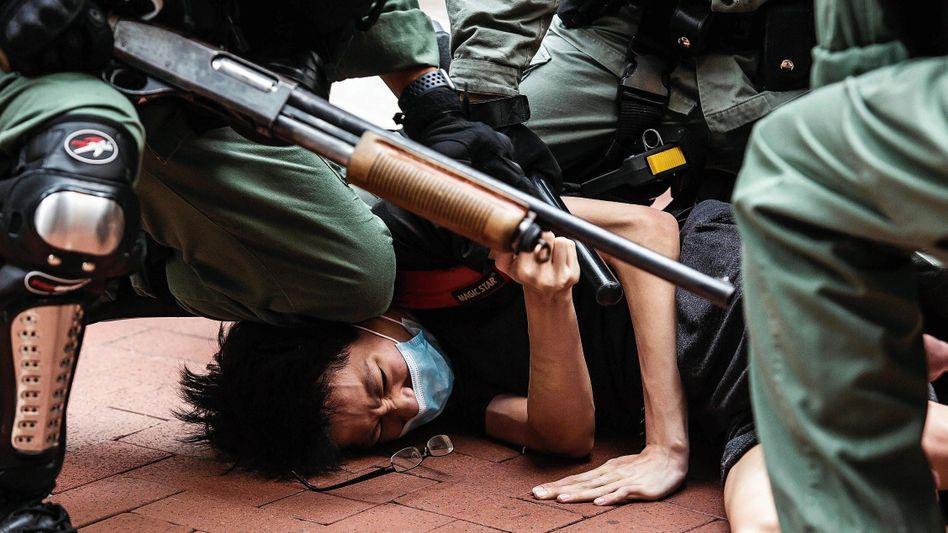 Festnahme eines Demonstranten in Hongkong