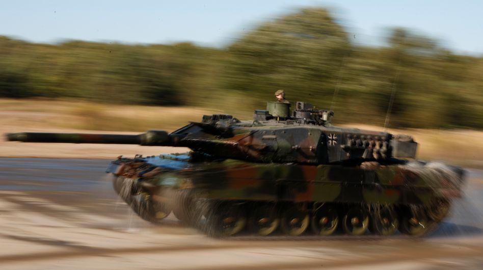 """""""Leopard""""-Panzer der Bundeswehr: Auftragsvolumen von zwei Milliarden Euro"""