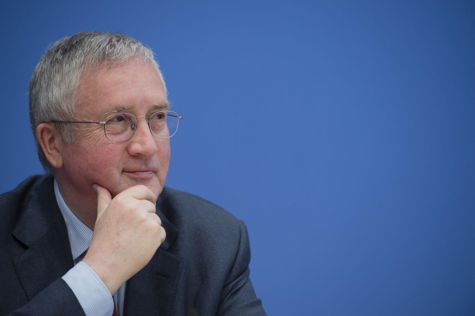 NICHT VERWENDEN Manfred Güllner