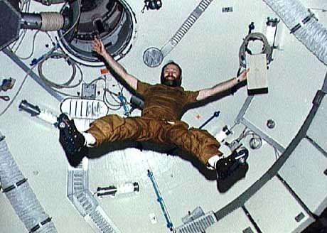 "Schwerelose Akrobatik: Leben im ""Skylab"""