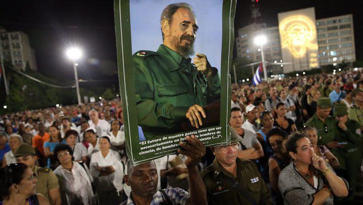Havanna: Kubaner nehmen Abschied von Castro