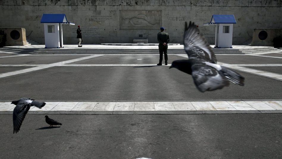 Tauben in Athen: Laut EU-Kommission reicht das Geld bis zum 8. April