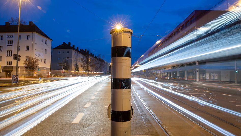 Geschwindigkeits- und Rotlicht-Messgerät Poliscan Speed: Kein »Erfahrungssatz«, dass die eingesetzten Messgeräte unter allen Umständen zuverlässige Ergebnisse liefern