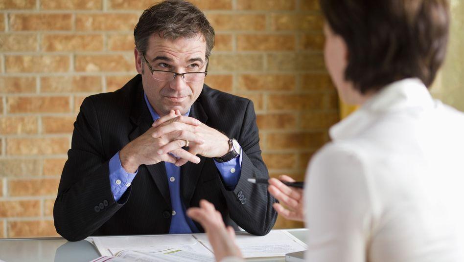 Beratung bei der Bank: Umschuldungswünsche der Kunden werden oft ignoriert