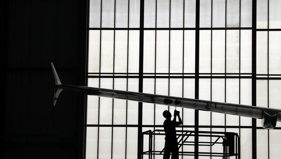 Zeitarbeiter bei Airbus: Lohnsenkung gesetzlich verhindern