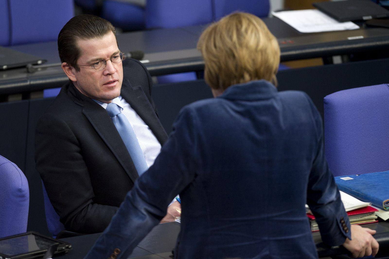 NICHT VERWENDEN Guttenberg / Merkel