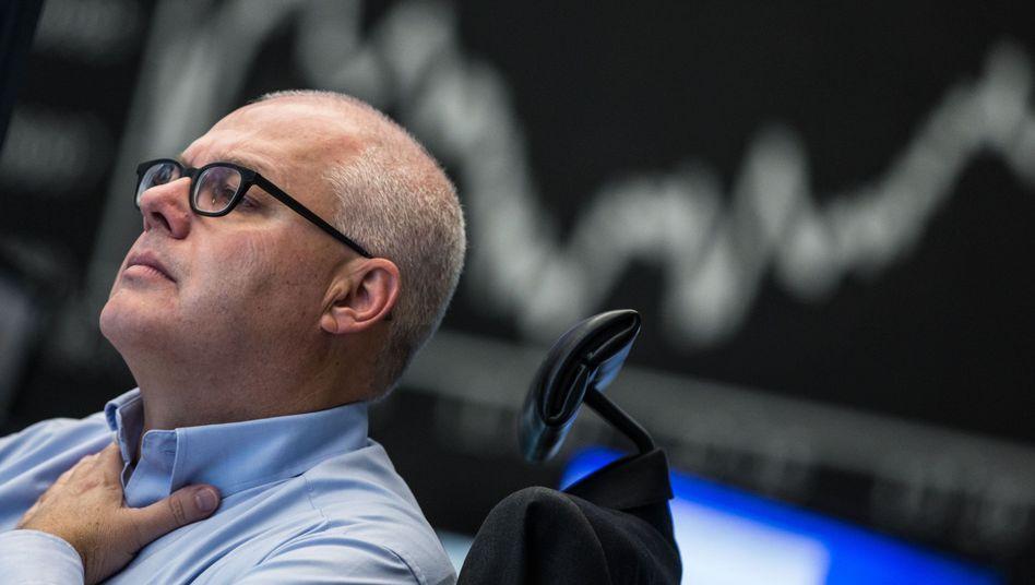 Händler vor Dax-Kurve: Wer auf den Index setzt, gewinnt fast immer