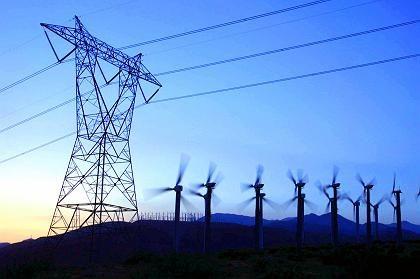 Strommast in Kalifornien: Hoffnungslos veraltetes Kabelgeflecht