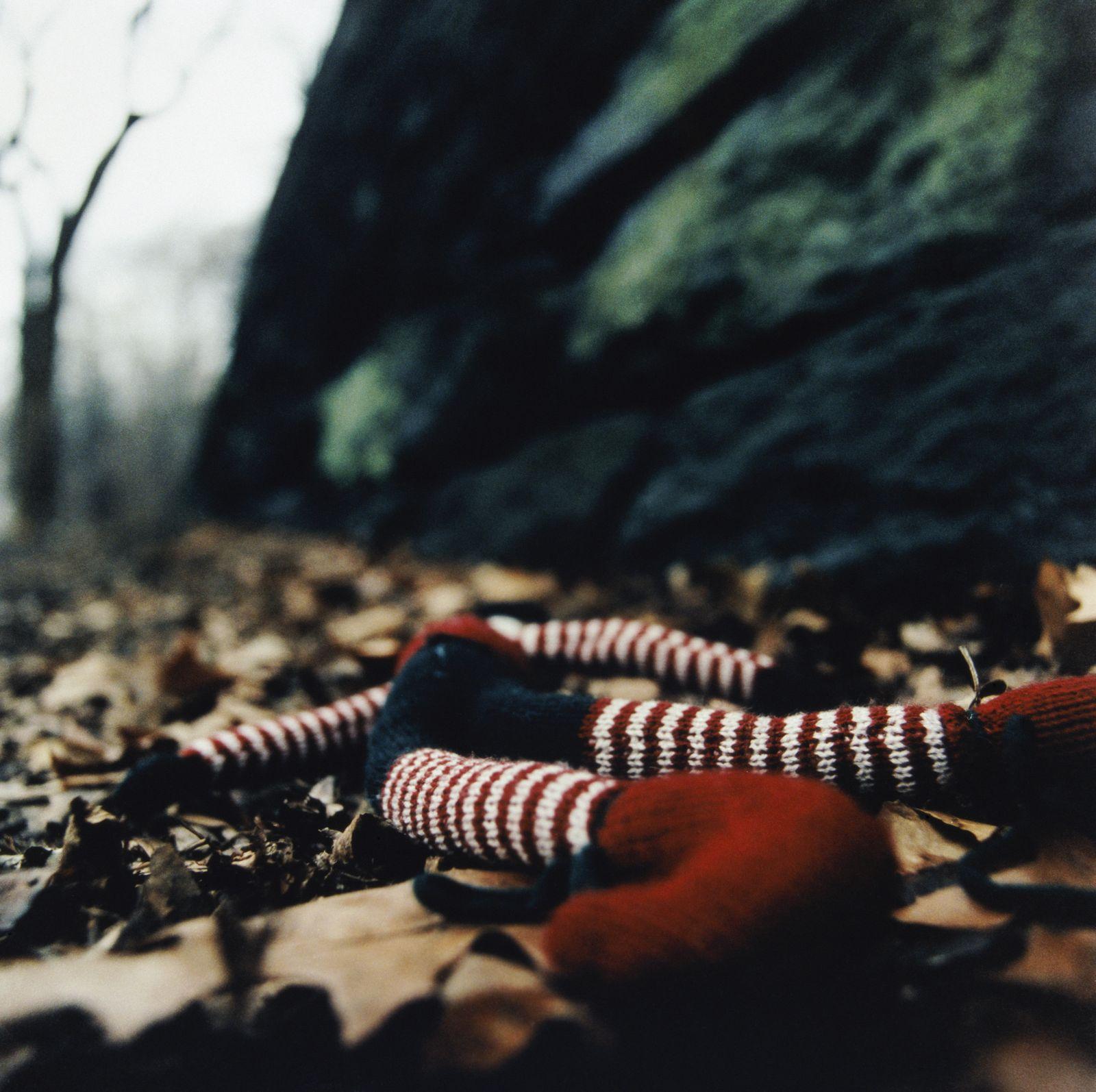NICHT MEHR VERWENDEN! - Symbolbild/ Pädophilie/ Missbrauch/ Entführung/ Vermisstes Kind