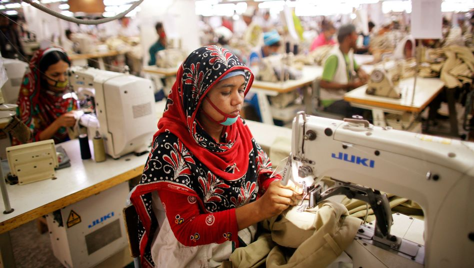 Näherinnen in vorbildlicher Fabrik in Bangladesch: Auch Puma verpflichtet sich
