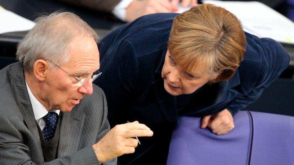 """Finanzminister Schäuble, Kanzlerin Merkel: """"Was man als politische Union bezeichnet"""""""