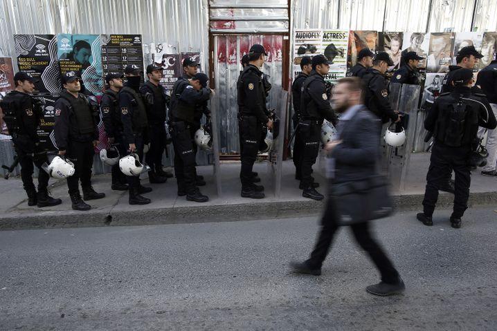 Polizei gegen Journalisten in der Türkei