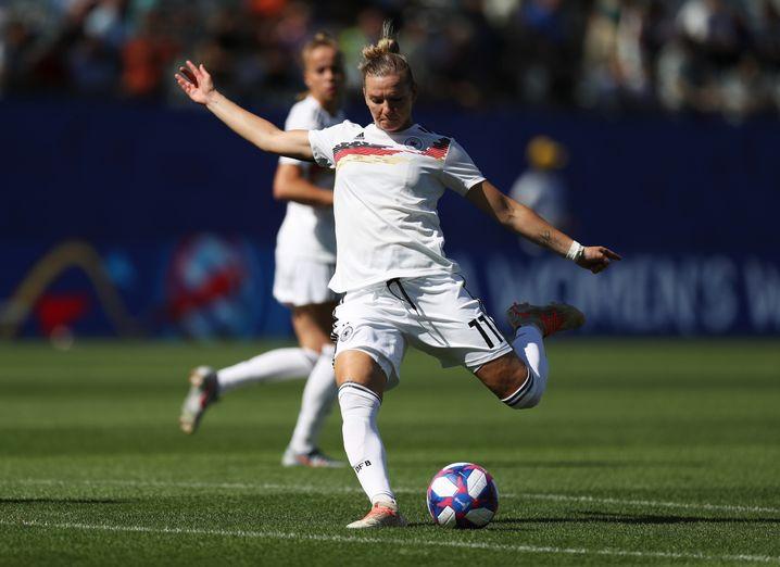 Die deutsche Kapitänin Alexandra Popp war bei der WM mal Stürmerin, mal Sechser