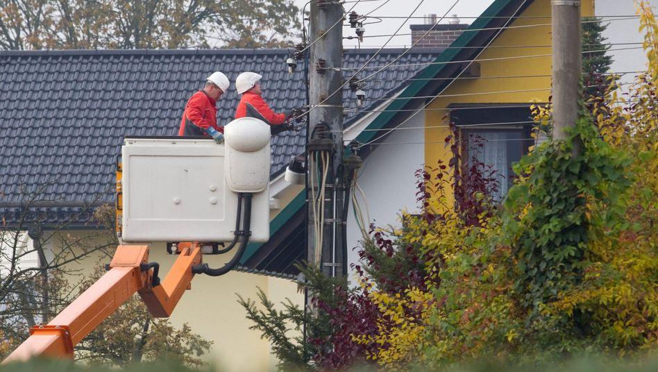 Stromleitung in Gemeinde: Ringen um lukratives Geschäft
