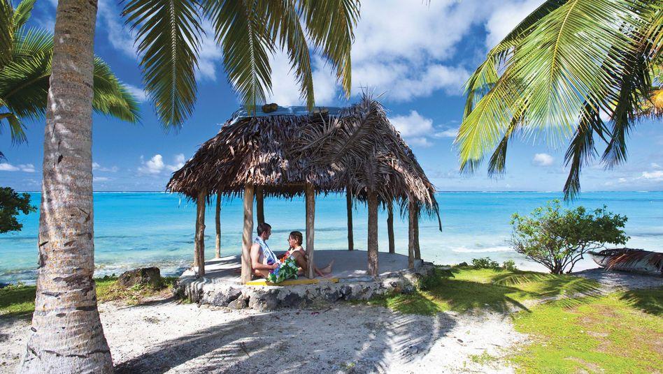 Touristen am Traumstrand auf Samoa: Neue Zeitzone im Inselreich
