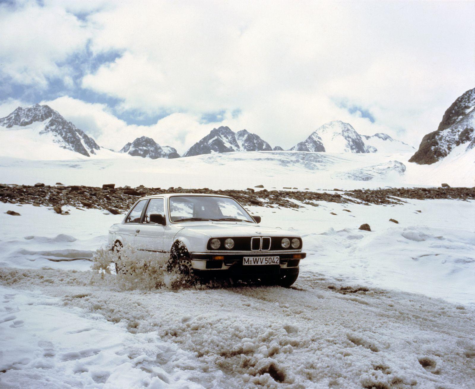 BMW / 325ix