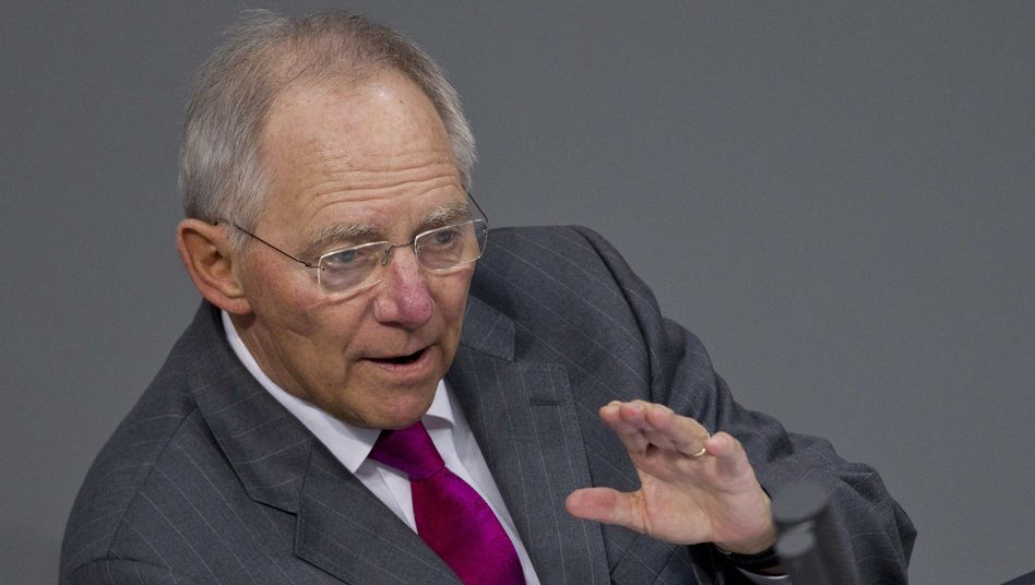 "German Finance Minister Wolfgang Schäuble: ""€800 billion has to suffice."""