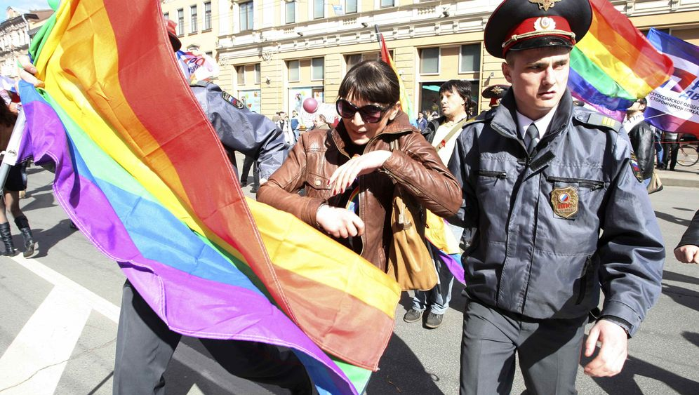 Photo Gallery: Russia's Anti-Gay Offensive