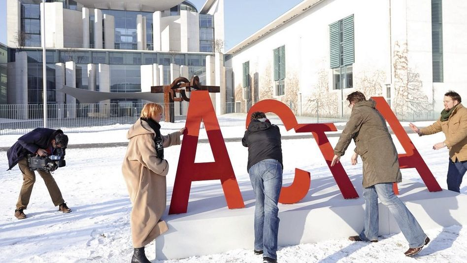 Anti-ACTA-Protest vor dem Kanzleramt