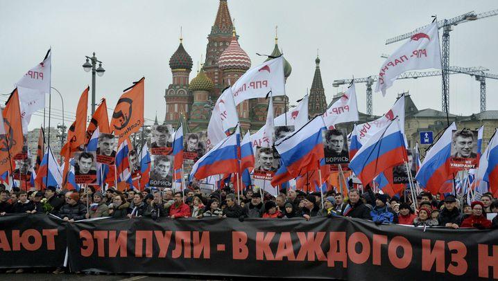 Nemzow-Mord: Trauerzug durch Moskau