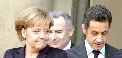 Kanzlerin Merkel, Präsident Sarkozy: Zusätzliche Schritte gegen den Wirtschaftsabschwung nicht ausgeschlossen