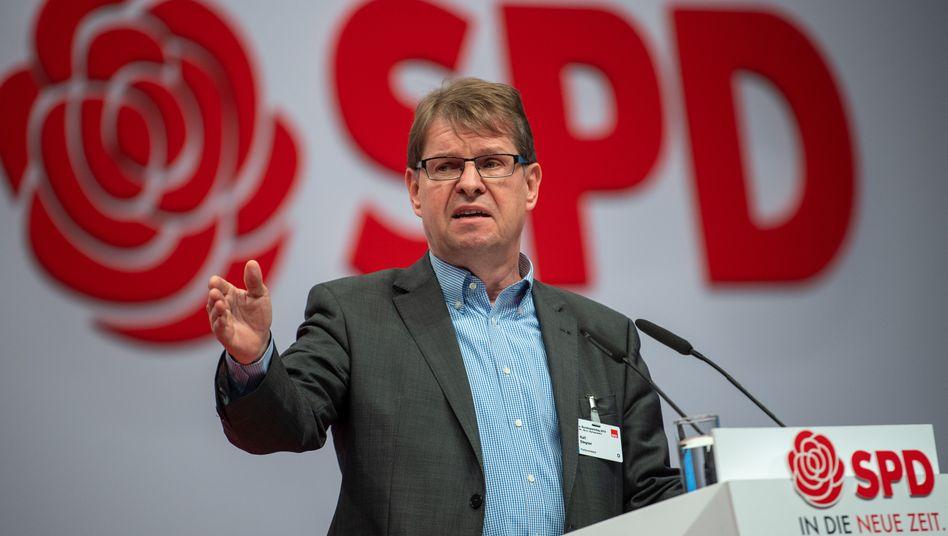 """Ralf Stegner (Archivbild): """"Da findet richtige Ausbeutung statt"""""""