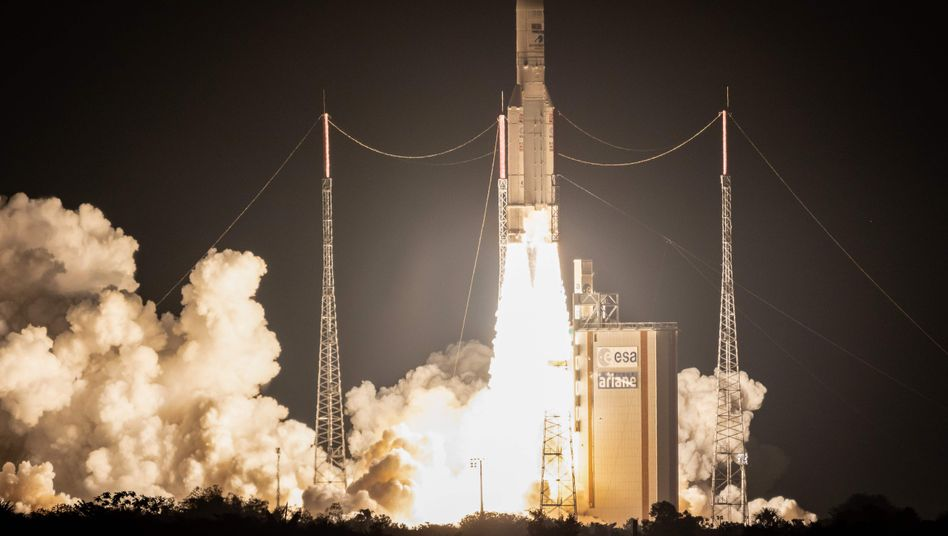 """Ariane 5""-Start in Kourou"