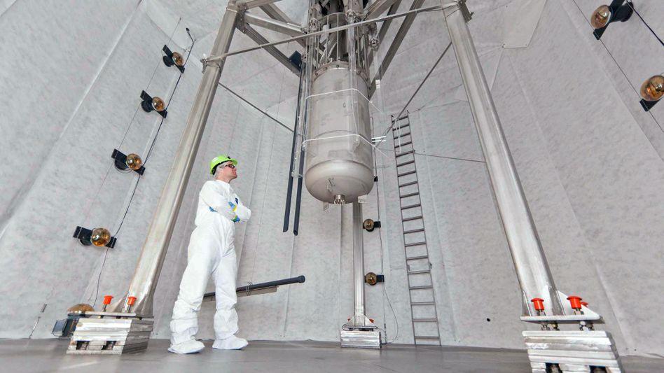 Xenon-Zylinder des Lux-Experiments (Oktober 2012)