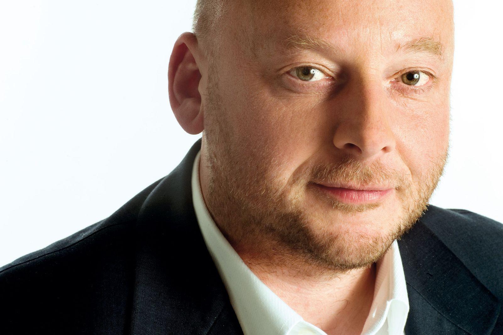 EINMALIGE VERWENDUNG Thomas Hettche
