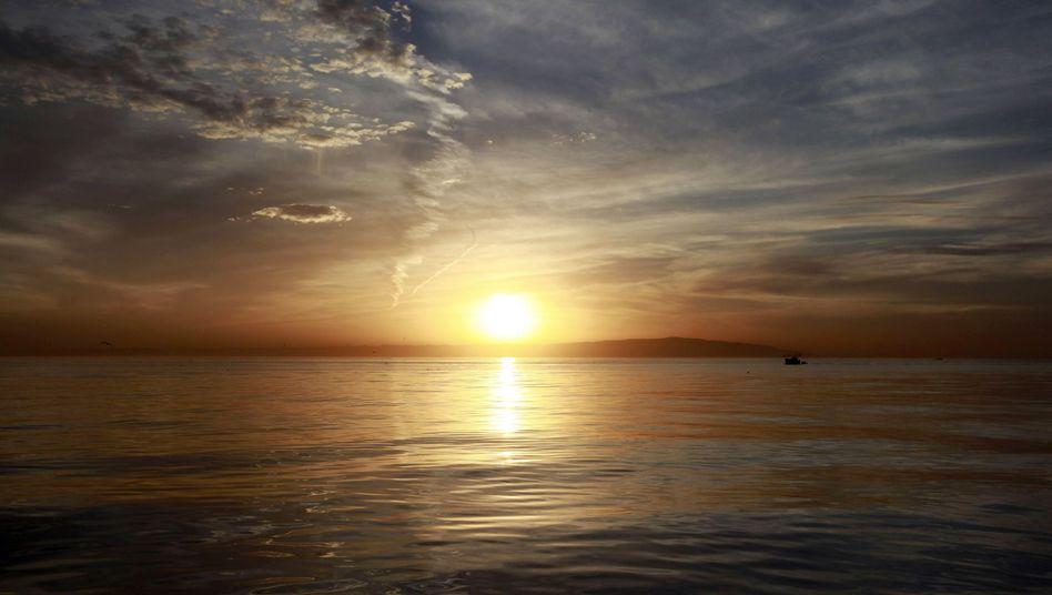 Sonnenuntergang überm Mittelmeer: Weltweiter Temperaturdurchschnitt auf Rekordniveau
