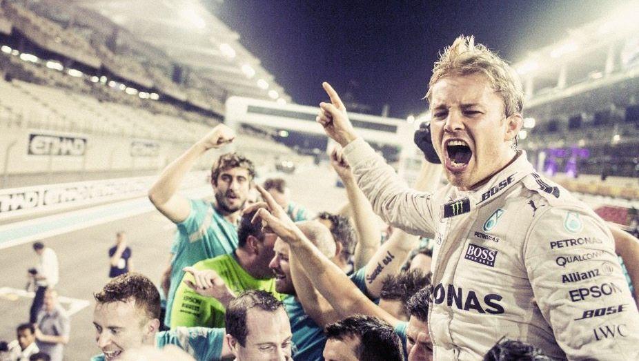 Rennfahrer Rosberg nach dem Titelgewinn in Abu Dhabi am vergangenen Sonntag